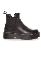 Picture of Lucine Boots Black
